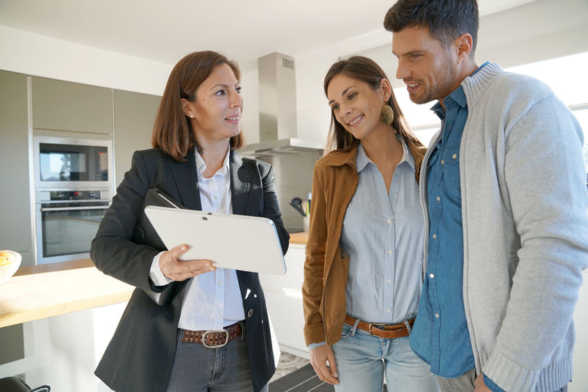 We offer a FREE home finding service for Orange County CA home renters.